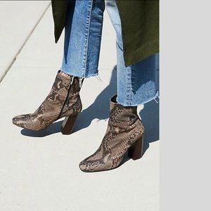 New FREE PEOPLE Nolita Boots. NWB